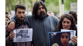Matías Pérez, el hermano de Lucía, junto a su familia.
