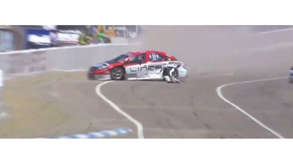 Súper TC 2000: Carlos Merlo terminó en una clínica tras sufrir un fuerte impacto