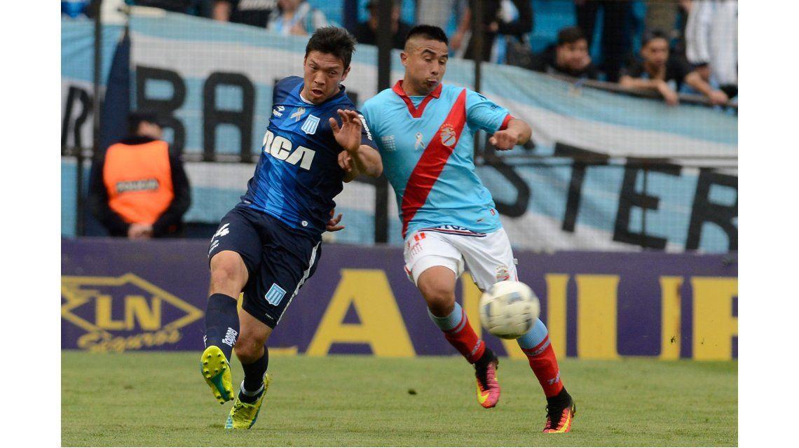 Racing y Arsenal se enfrentan en el Cilindro de Avellaneda