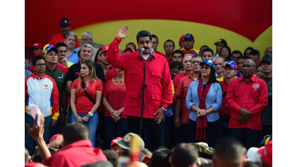 Maduro acusa a la oposición venezolana de intentar dar un golpe parlamentario