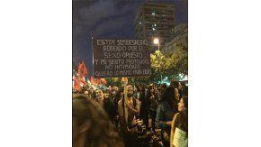 Un hombre sorprendió a todos en la marcha Ni una menos en Chile