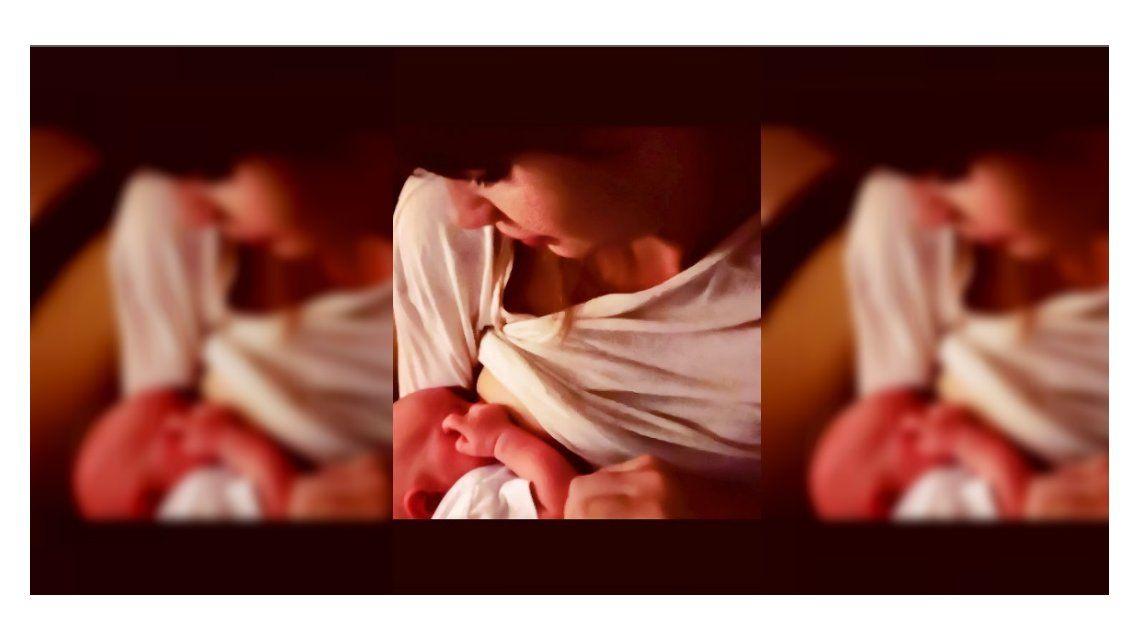 Celeste Cid publicó una foto amamantando a su hijo.