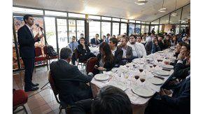 Juan Manuel Urtubey con estudiantes de la FURP