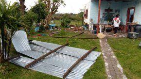 Violento temporal afectó a Misión San Francisco Laishí (Formosa) ocasionando voladuras de techos como la que se observa en la imagen