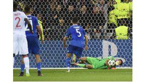 Buffon fue la gran figura del encuentro entre Lyon y Juventus por Champions League