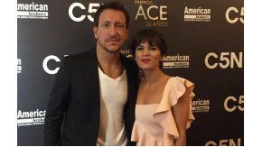 Nicolás Vázquez y Gimena Accardi, juntos en los premios Ace.