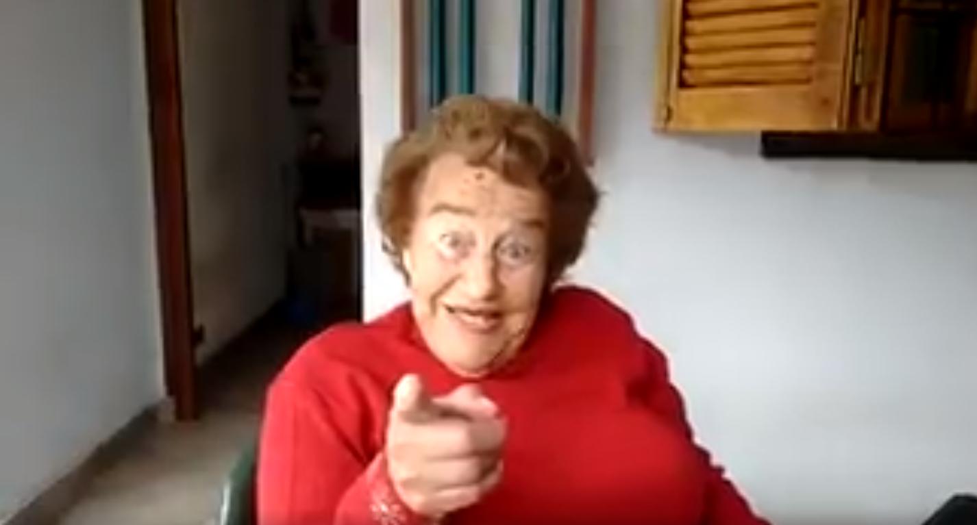 La mamá de Baldassi grabó un divertido video en elq eu se acordó de las mamás de los hinchas