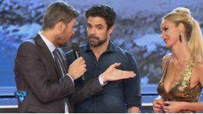 Luciano Castro, Sabrina Rojas y Marcelo Tinelli haciendo terapia de pareja en ShowMatch