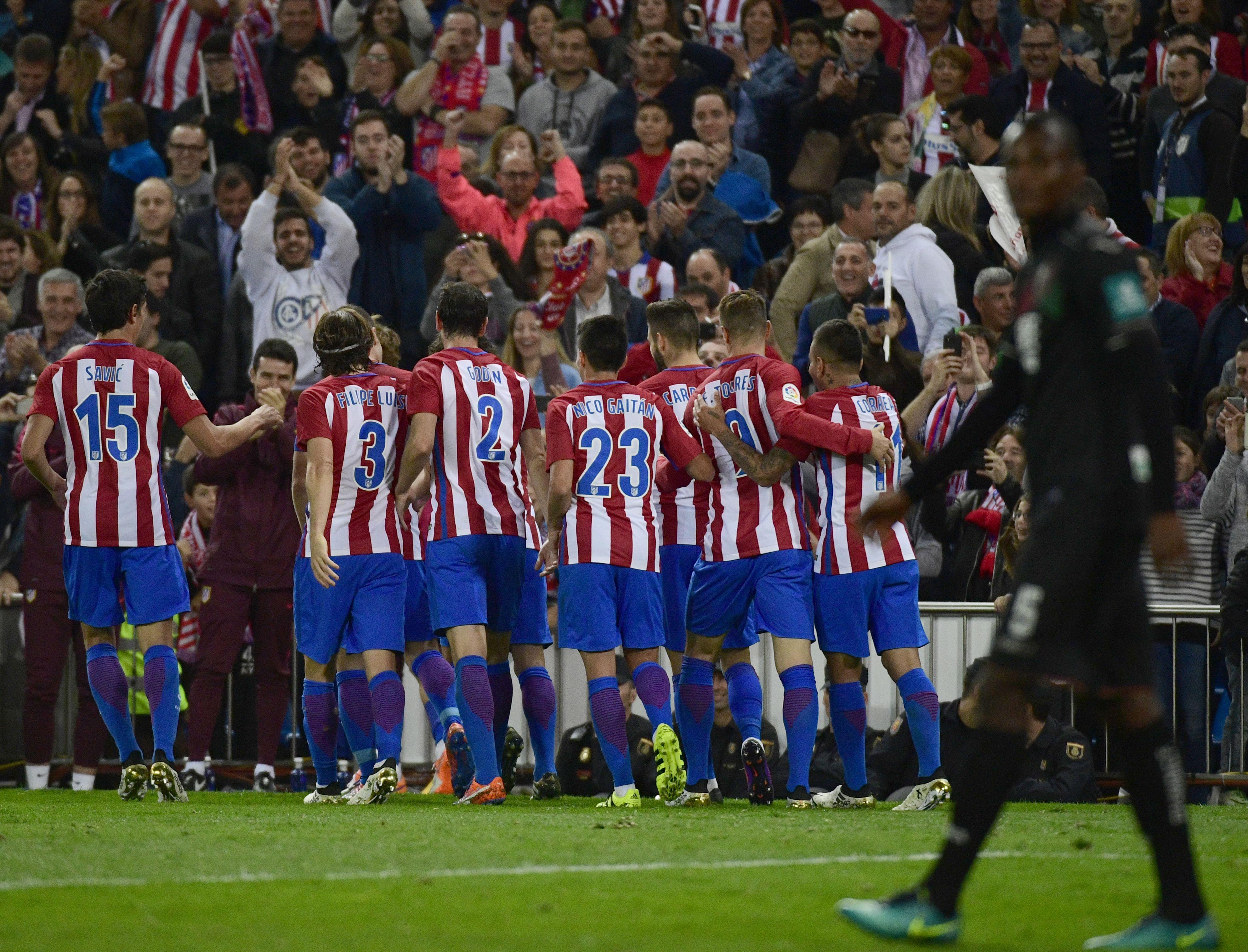 Atlético Madrid aplastó a Granada en el Vicente Calderón
