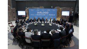 Arrancó la mesa del diálogo tripartito