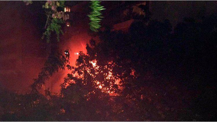 Voraz incendio en Malabia al 2300