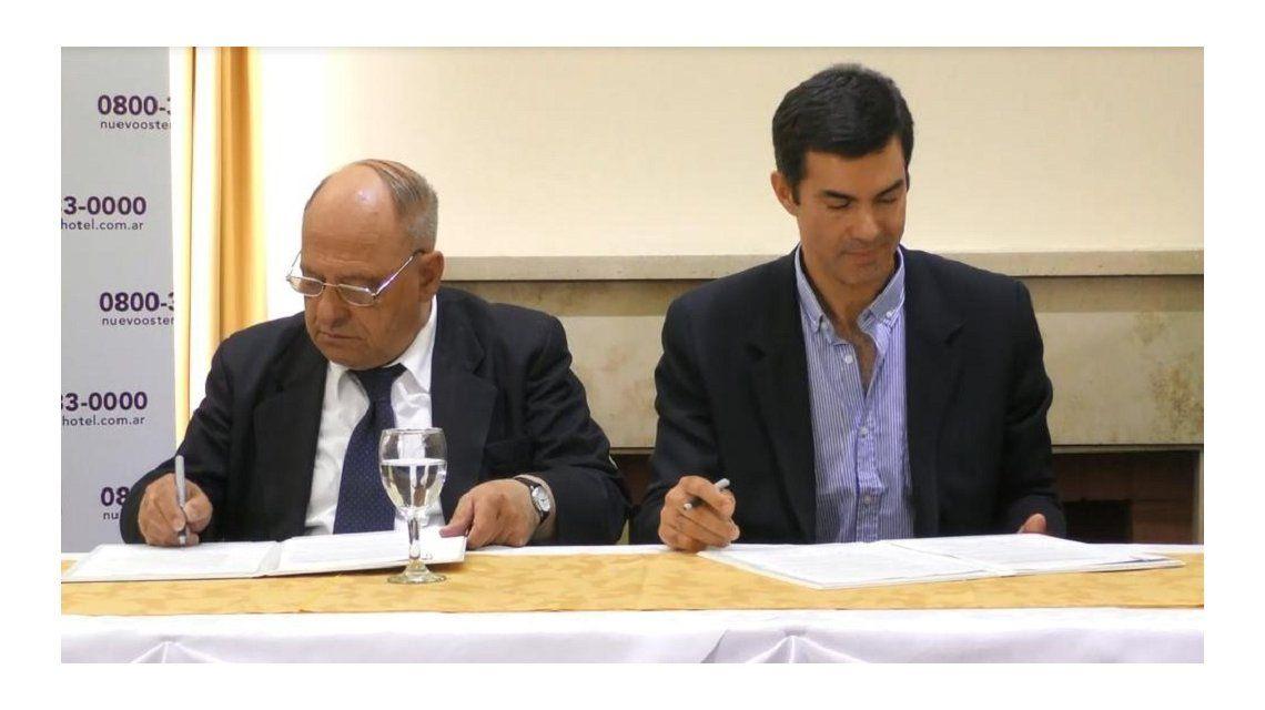 Urtubey firma de convenio con intedente de Mar del Plata