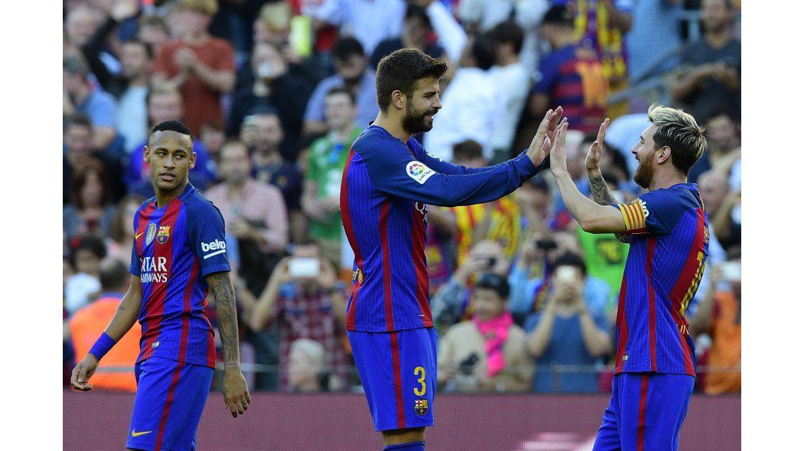 Messi festeja su gol.