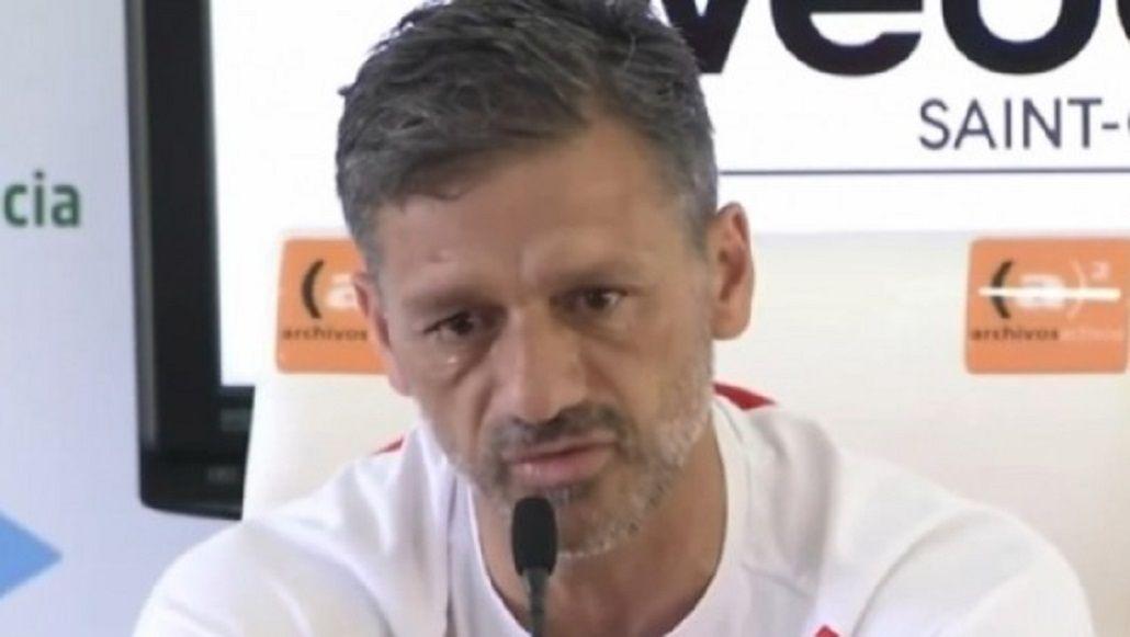 Nelson Vivas defendió con lágrimas a los jugadores de la Selección
