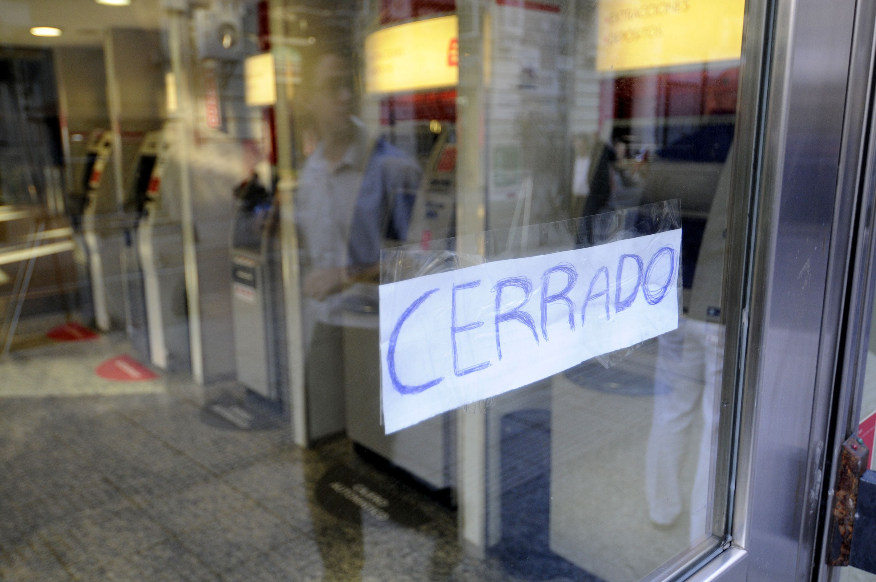 Hoy hay paro bancario en reclamo de paritarias y la eliminación de Ganancias