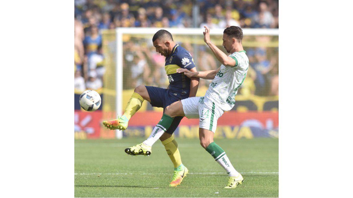 Boca volvió al triunfo ante Sarmiento y se acercó a la cima del torneo