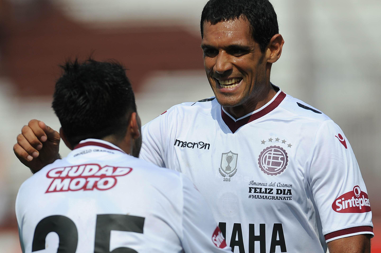 Lanús goleó a Godoy Cruz en el Sur.