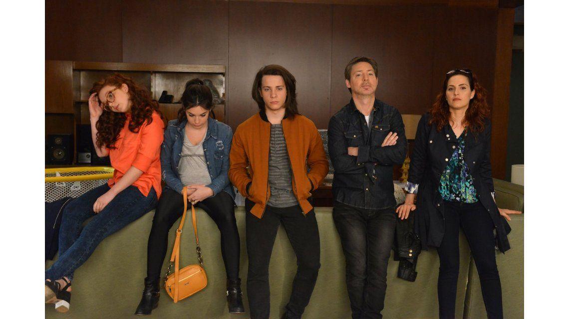 Escena final de Silencios de Familia con los Diamante dos años después de transcurrida gran parte de la serie