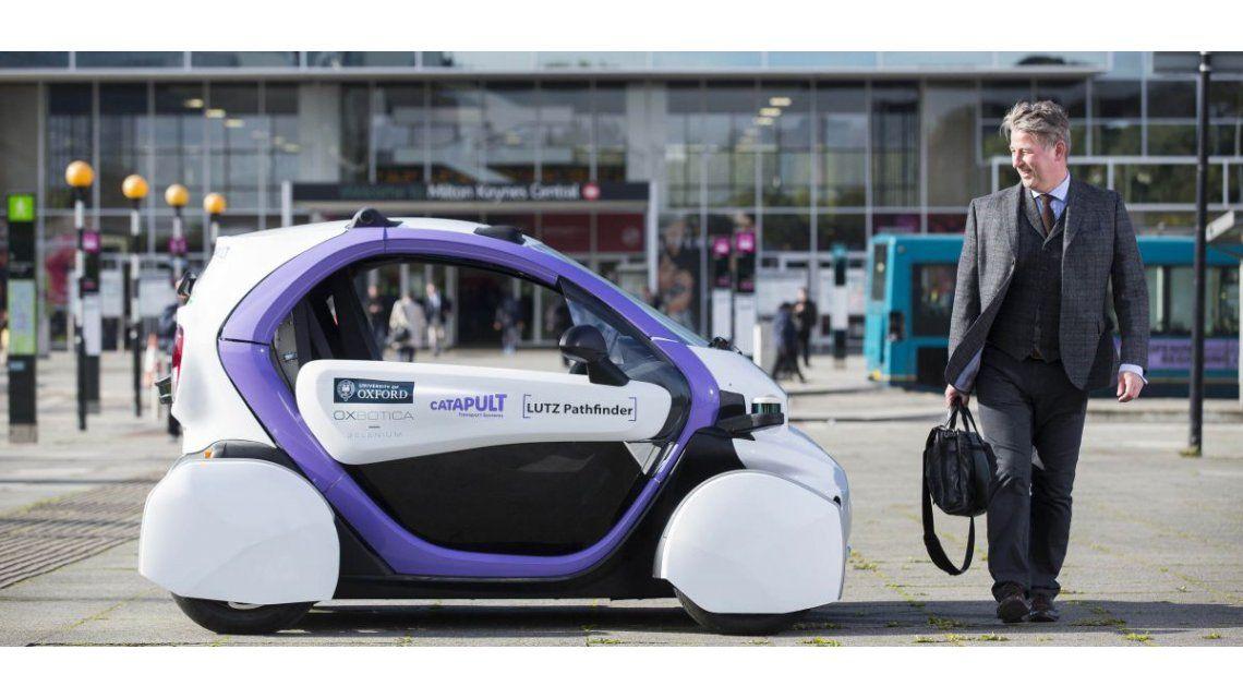 Comenzaron a ser testeados autos que se manejan solos en Reino Unido