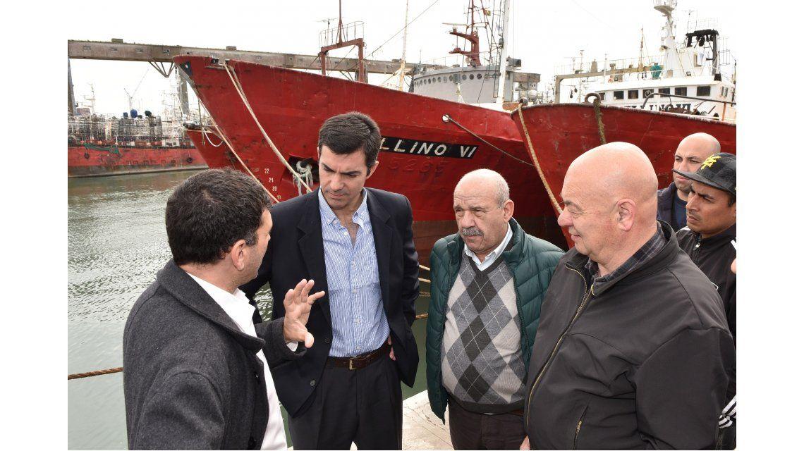 Juan Manuel Urtubey en Puerto Madero con el Sindicato Marítimo de Pescadores.