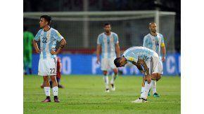 Bauza no encuentra respuestas y sin Messi cuesta el doble