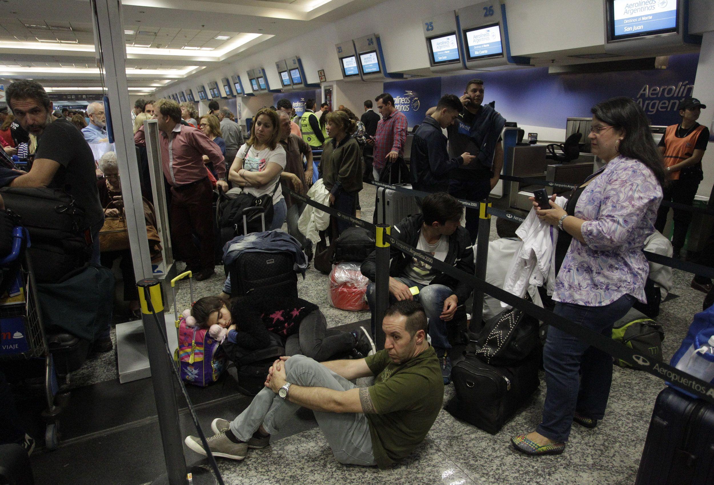 Los pasajeros, varados en Aeroparque<br>