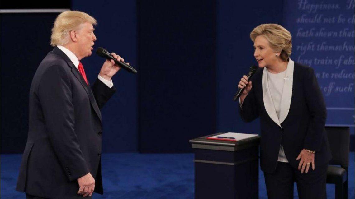 Trump y Hillary durante el debate