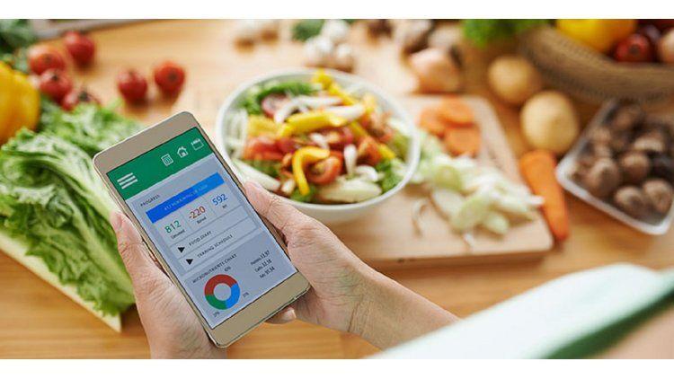 Varias aplicaciones permiten medir la cantidad de calorías en los alimentos.