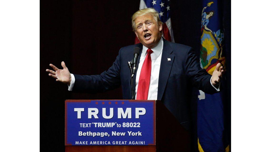 Trump crecibió criticas y pedidos de renuncia a su candidatura por su video con comentarios machistas.