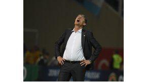 Edgardo Bauza, indignado por la derrota de Argentina ante Paraguay