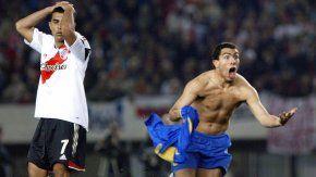 Carlos Tevez festejaba el gol del empate de Boca ante River por la revancha de la semifinal de la Copa Libertadores 2004