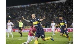 Benedetto desteja su gol para Boca ante Olimpia