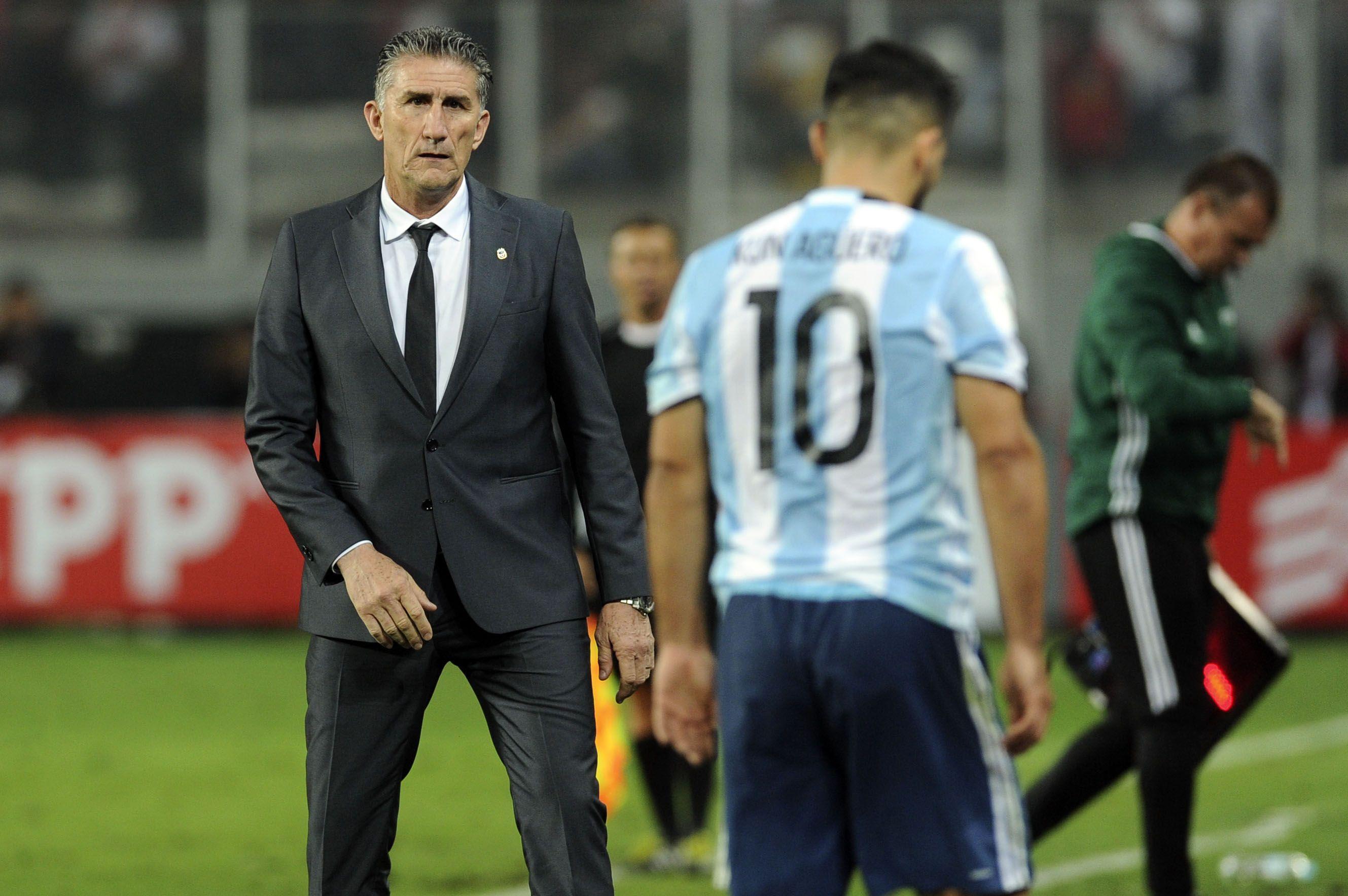 Edgardo Bauza en el empate de Argentina ante Perú en Lima por las Eliminatorias