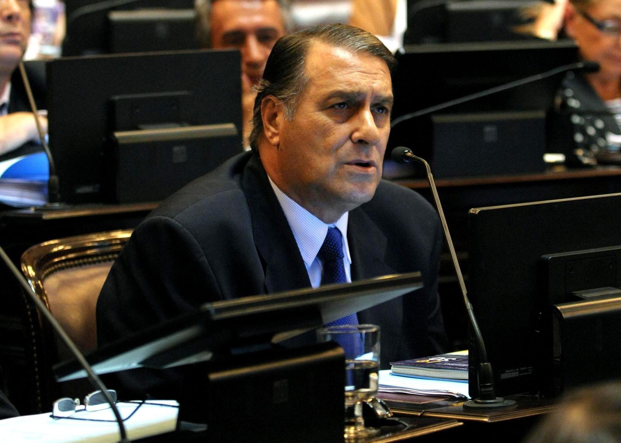 El senador radical sufrió un infarto y se recupera
