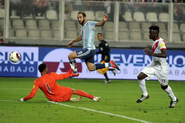 Así definió Gonzalo Higuaín para marcar su gol frente a Perú.