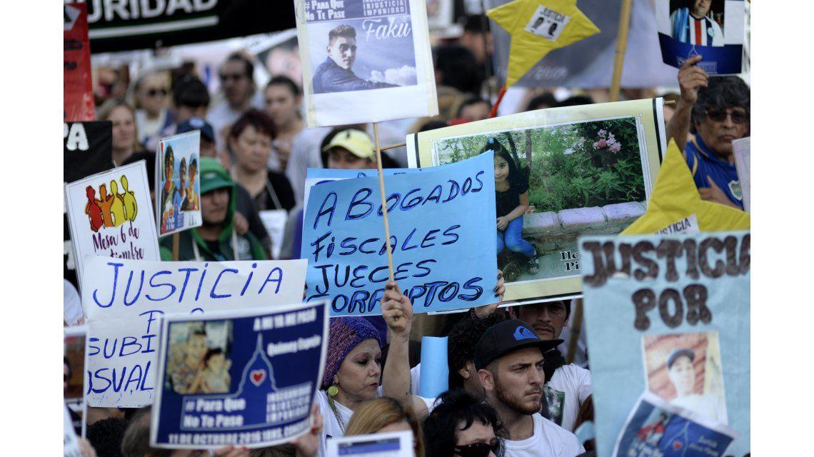 {altText(La marcha contra la inseguridad #ParaQueNoTePase, en el Congreso.<br>,La marcha #ParaQueNoTePase, en fotos)}