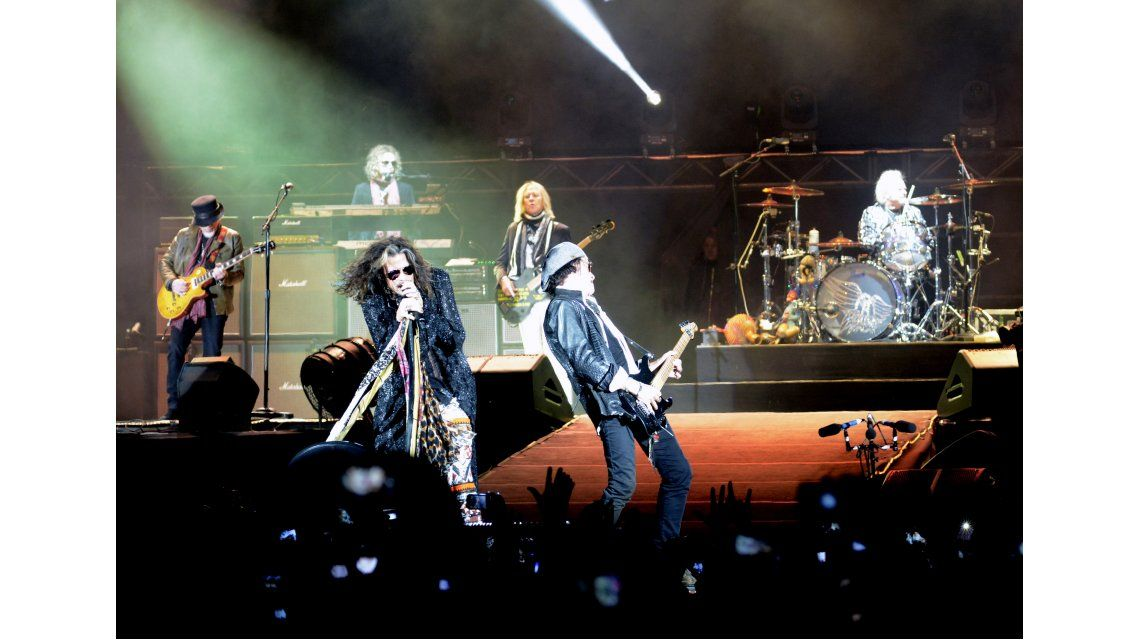 Aerosmith dio su show en el Estado Ciudad de La Plata.