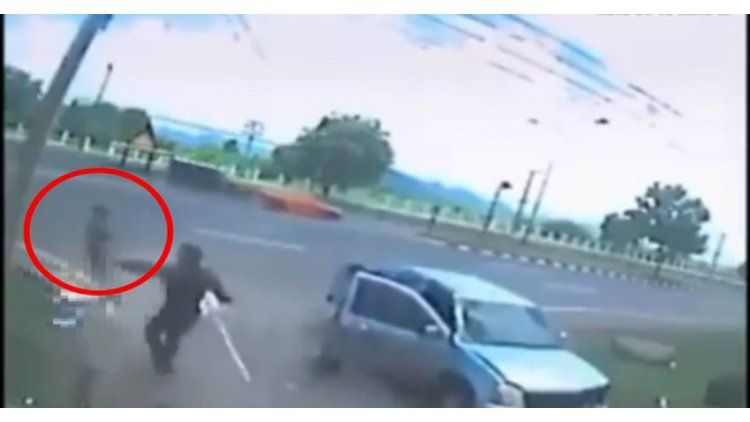 El fantasma de una mujer fallecida aparece después de un choque