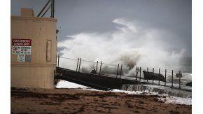El huracán Matthew azota a Estados Unidos.