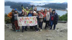 Ex alumnas del colegio Dalmacio Vélez Sarsfield en Bariloche.