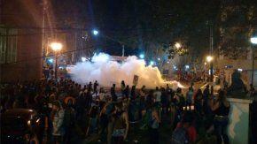 Represión durante el Encuentro Nacional de Mujeres en Rosario - Crédito: Diario Uno Santa Fe
