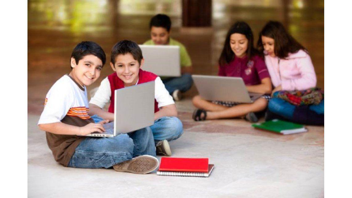 Jóvenes pueden acercarse a la programación