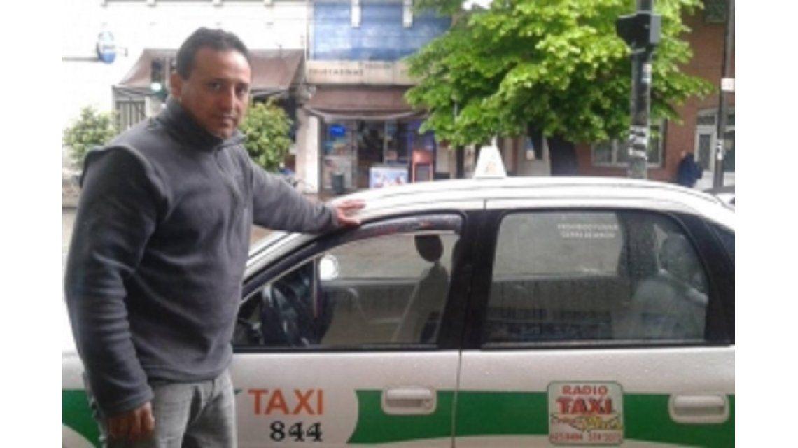 El taxistaCarlos Roberto López
