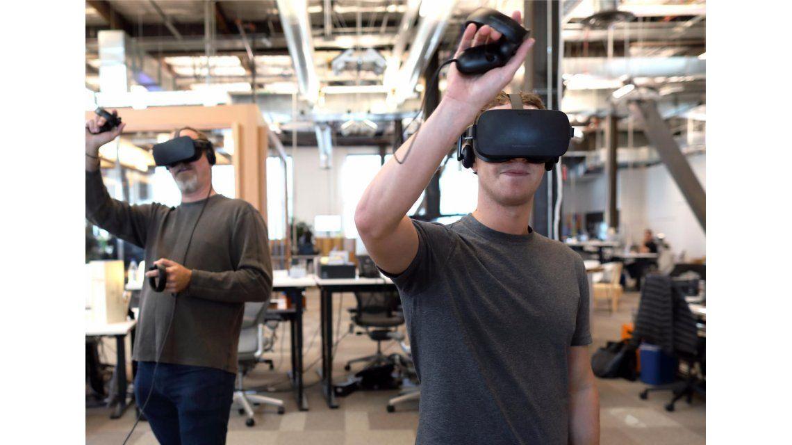 Mark Zuckerberg mostró una prueba de cómo podría utilizar Facebook la realidad virtual