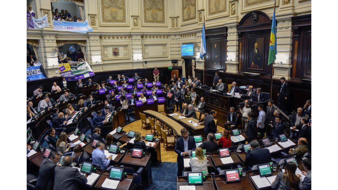 La Cámara de Diputados bonaerense aprobó la ley de paridad de género para las listas electorales de la Provincia.