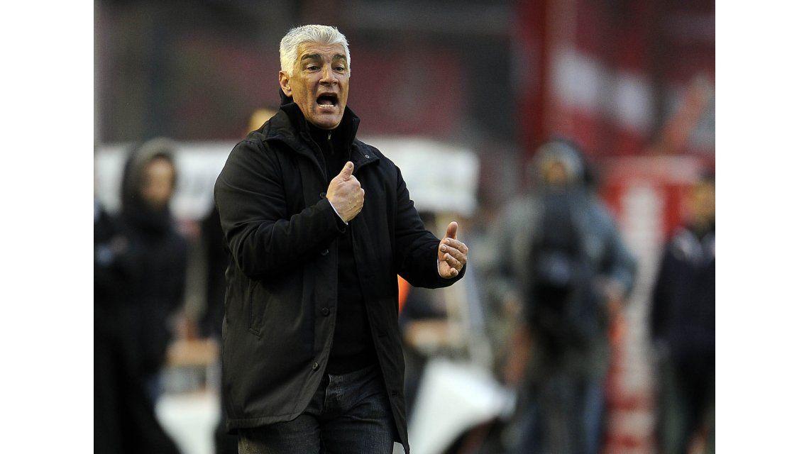 El elegido: Omar De Felippe es el DT que intentará sacar a Vélez de la crisis