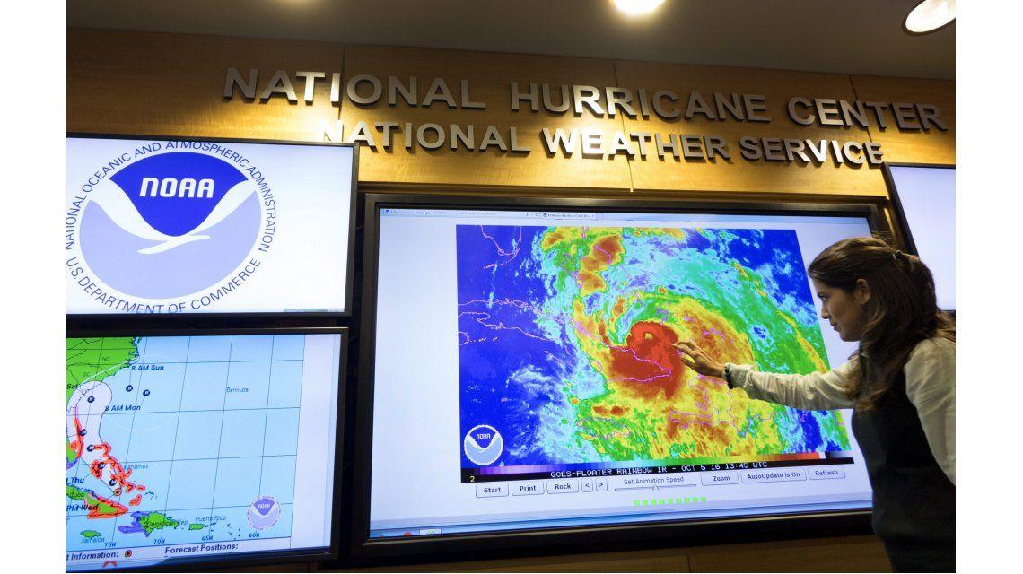 En Estados Unidos esperan por la llegada del huracán Matthew.