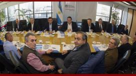 Ganancias: el Gobierno busca acordar este lunes con la CGT