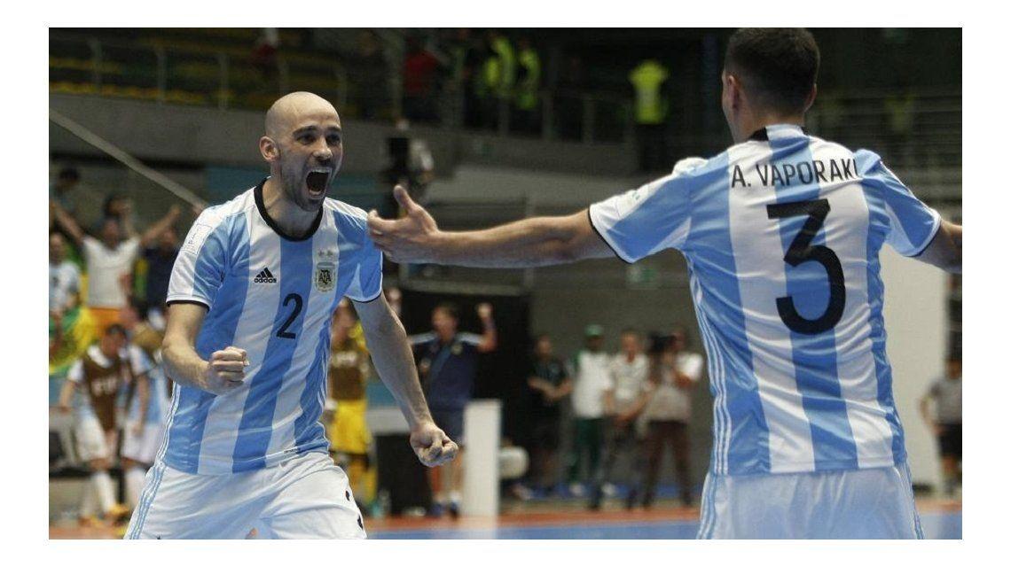 Festejo argentino ante Rusia en la final del Mundial de Futsal en Colombia