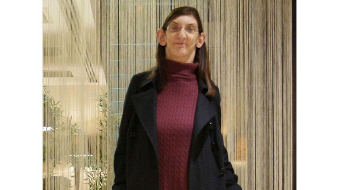 Conocé la triste historia de Rumeysa Gelgi, la mujer más alta del mundo